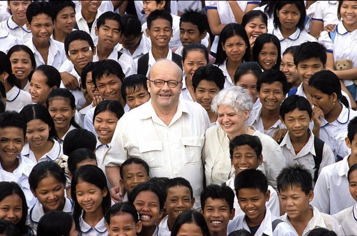 Christian-Marie-France-Pallieres-fondateurs-association-Sourire-Enfant-Phnom-Penh-Cambodge-Asie_0_730_464.jpg